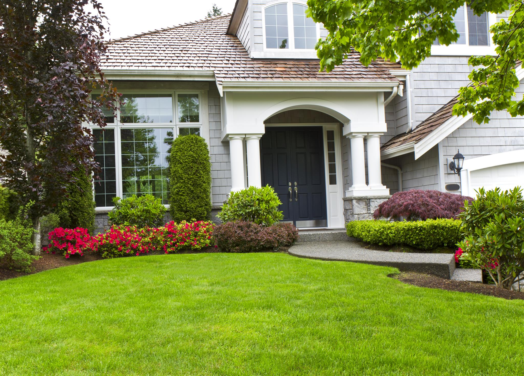 Top 10 Front Yard Eye Catching Landscaping Ideas For Homes